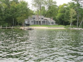 Wolfeboro Homes with Privacy