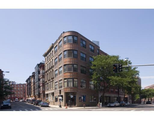 386 Commercial St