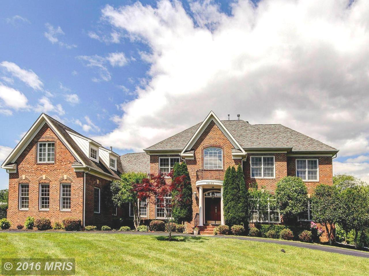 Fine Homes in Oak Hill