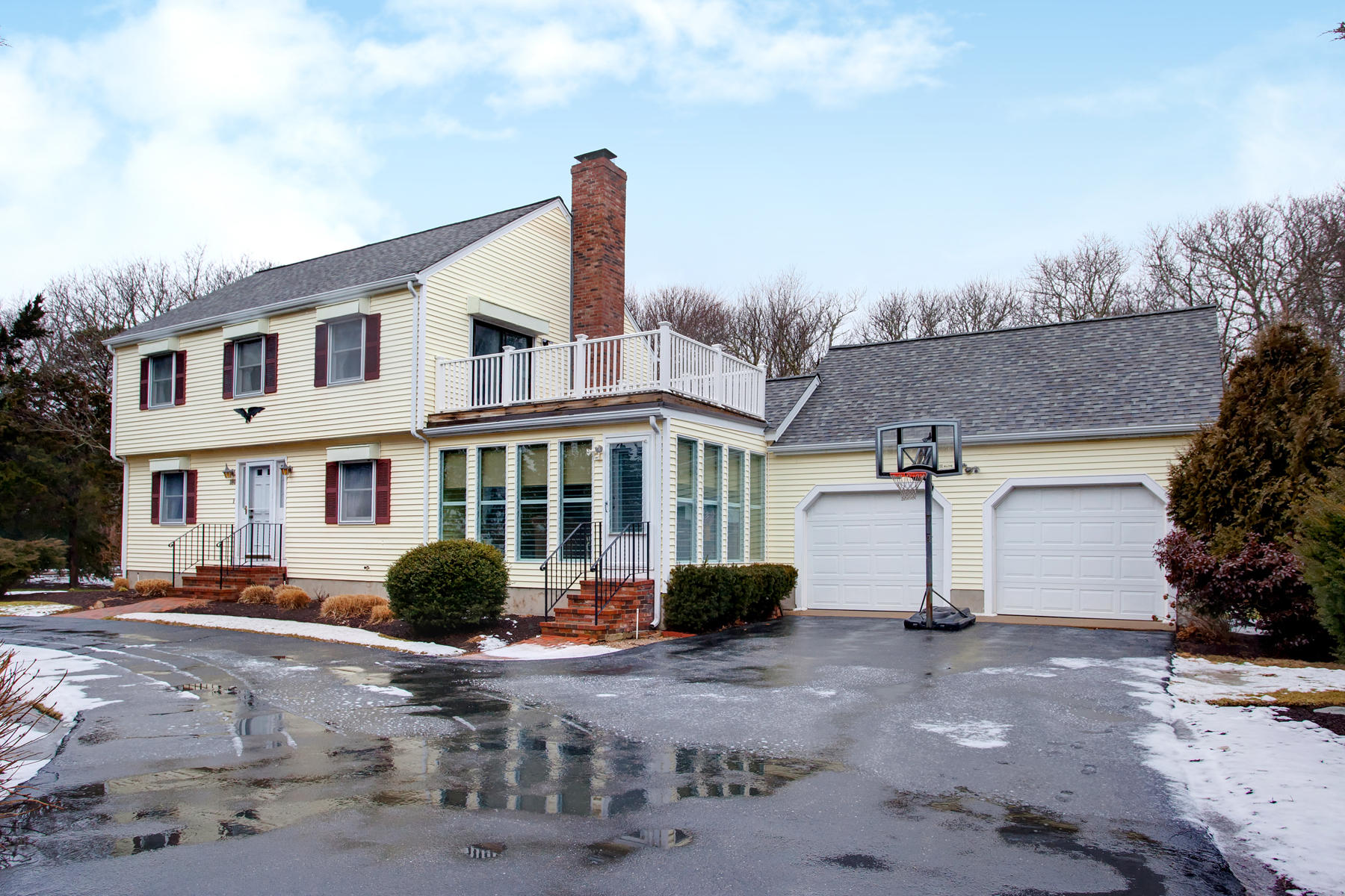 Just Listed in Barnstable, MA